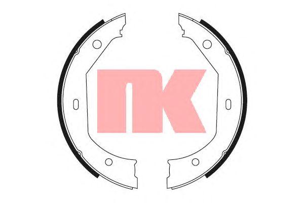Комлект тормозных накладок NK 2715638