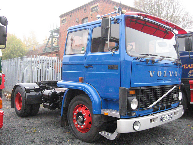 VOLVO F 6