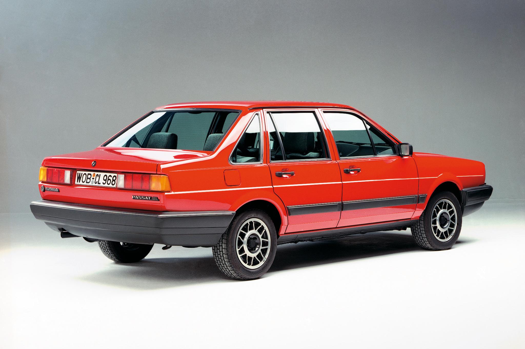 VW PASSAT седан (32)