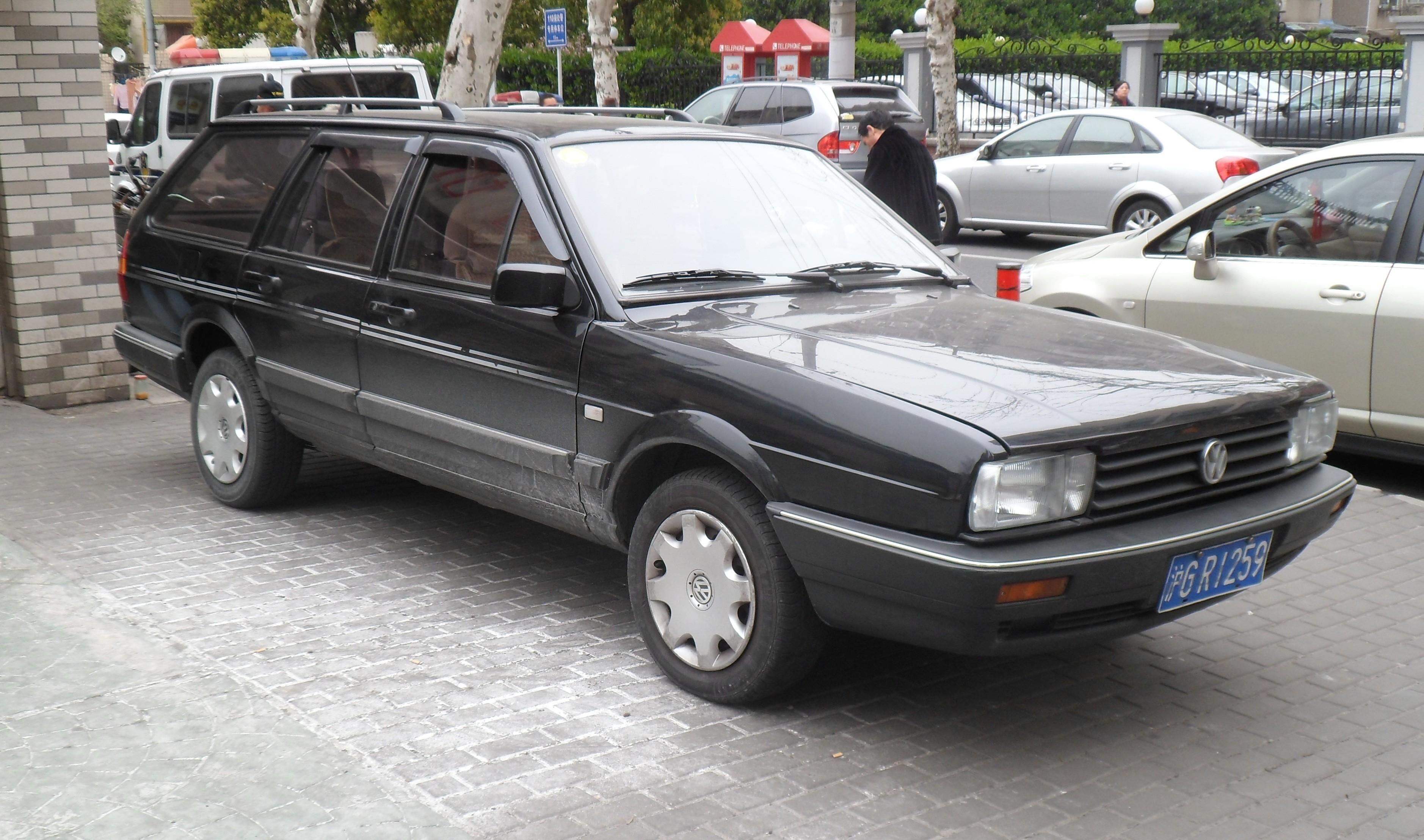 VW SANTANA Variant