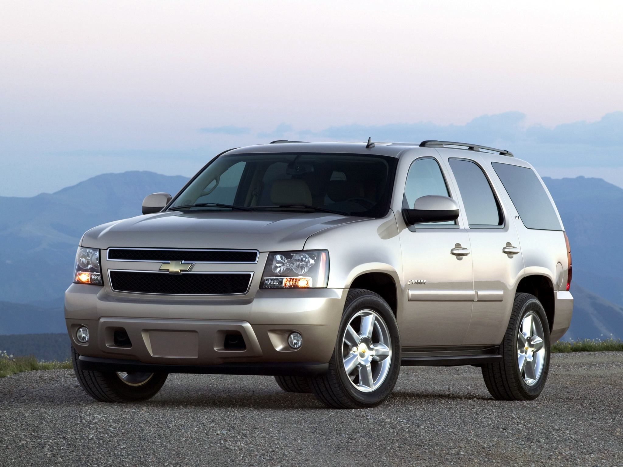 CHEVROLET TAHOE (GMT900) / Тахо