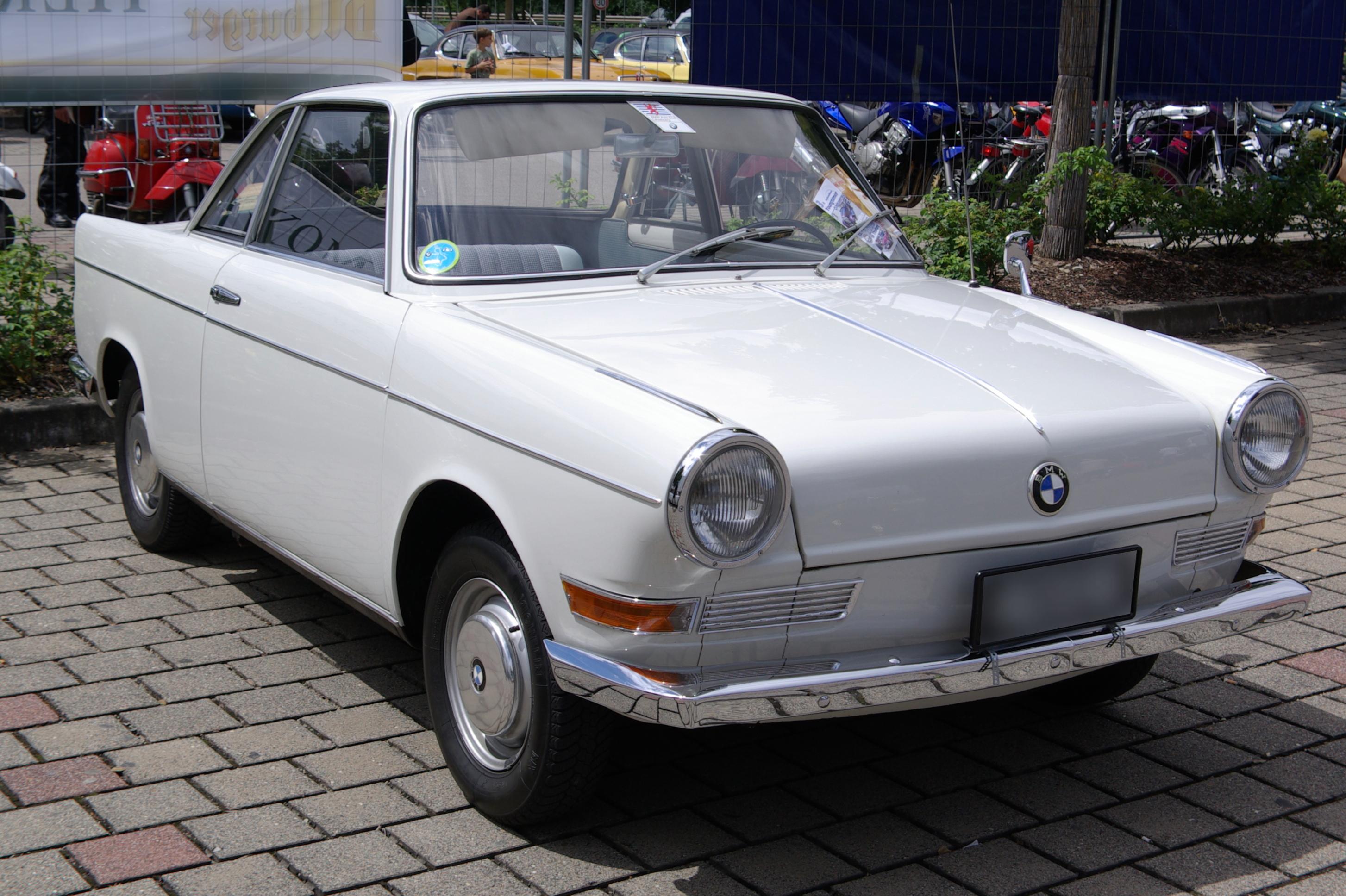 BMW 700 купе