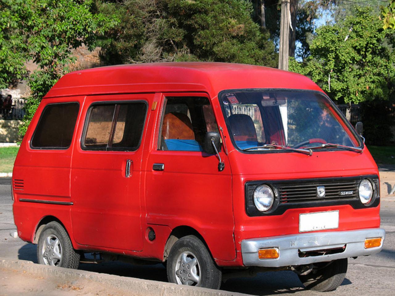 DAIHATSU 850 фургон (E65)