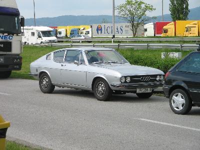 AUDI 100 купе (C1)