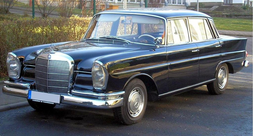 MERCEDES-BENZ HECKFLOSSE (W111, W112)