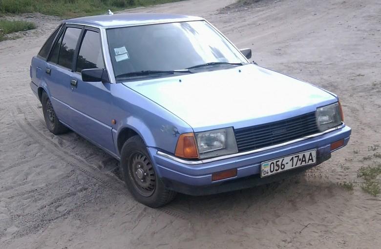 NISSAN STANZA Hatchback (T11)