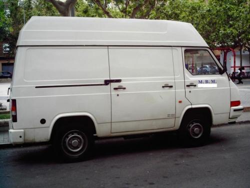 NISSAN TRADE фургон