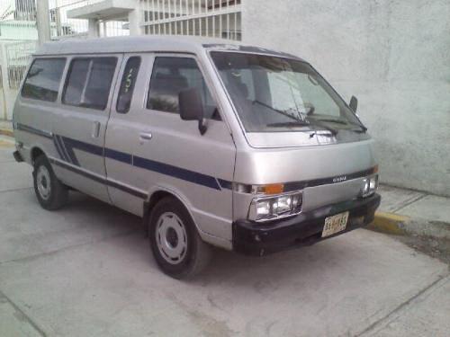 NISSAN ICHI фургон
