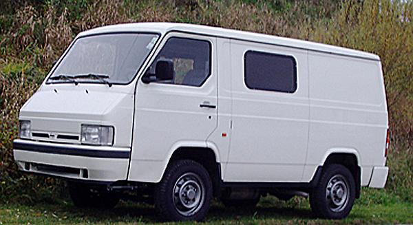 NISSAN TRADE фургон/универсал