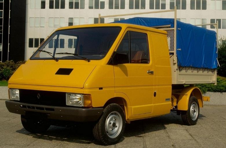 RENAULT TRAFIC грузовой (P6)