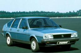 VW PASSAT (32B)