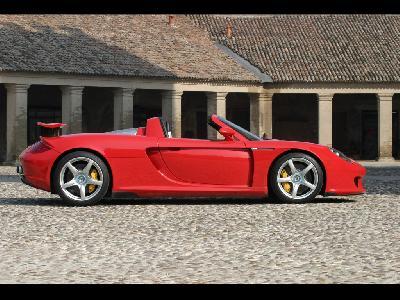 PORSCHE CARRERA GT (980)